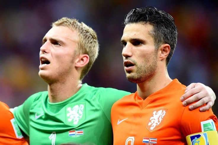 Jasper Cillessen en Robin van Persie. #ned #oranje #nedcos