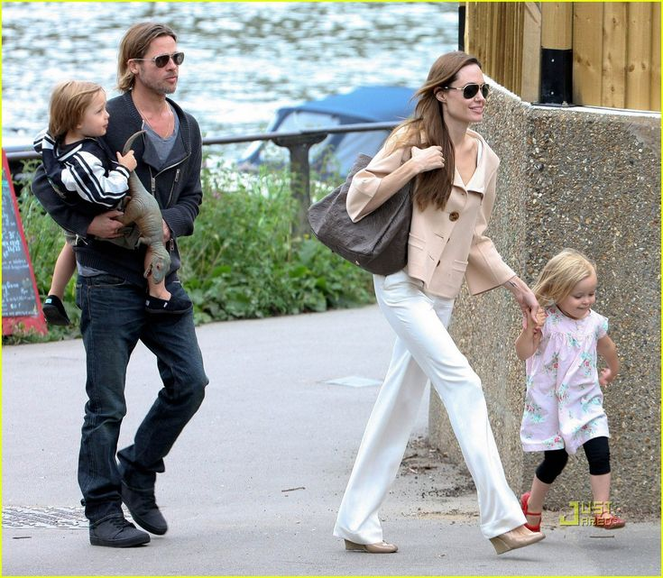 Angelina Jolie and Brad PItt with the kids. #Kids #Clothes #Celebrities  http://www.devlishangelz.ca/