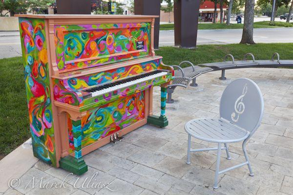 Résultats Google Recherche d'images correspondant à http://blog.pixelsaway.com/wp-content/gallery/public-art/pianos-about-town-2-3.jpg