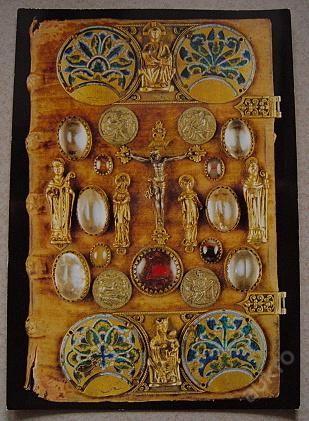 Barevná fotografie Strahovský evangeliář z 10.stol (5940534346) - Aukro - největší obchodní portál
