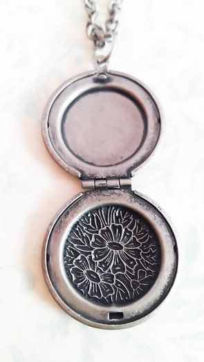 Antique Silver Photo Locket Necklace (LS04) by Heart Jewelry Creations