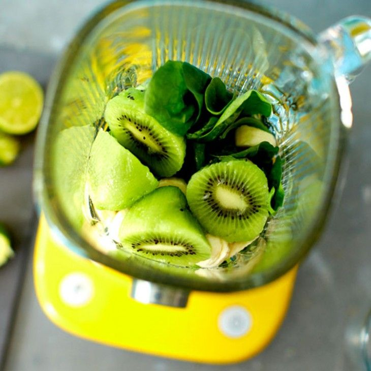 Key Lime Protein Shake: 40g (4 yellow scoops) protein powder 2 kiwis Juice of 1 lime 1 banana Handful of spinach 150ml water ice cubes