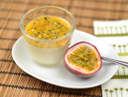 Pannacotta med passionsfrukt