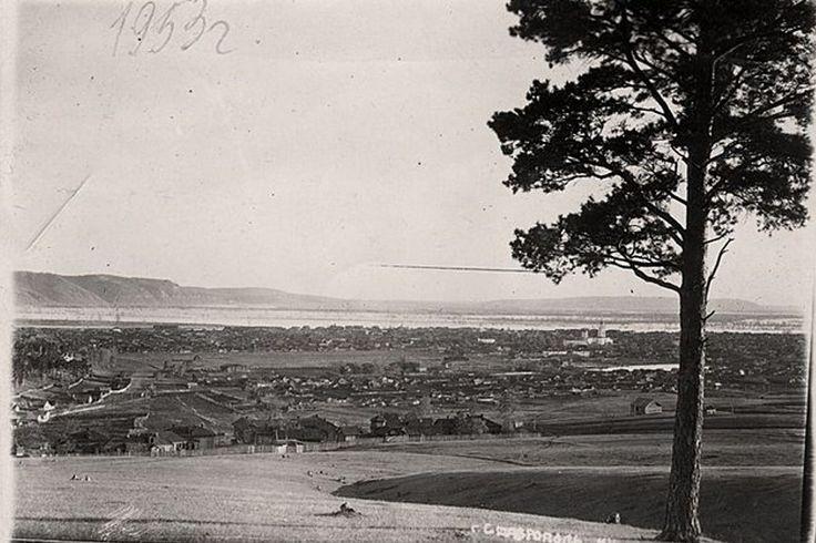 1953 г. Деревянные дома в Ставрополе разбирались и переносились на новое место, выше зоны затопления. Каменные дома взрывали либо разбирали на кирпичи