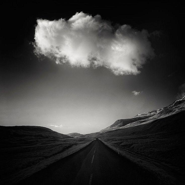 Un fotograf a pozat cele mai enigmatice și pustii drumuri din lume. Niște imagini fascinante… - Punct.TV
