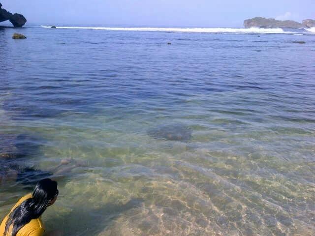 Gunungkidul, pagi tenang pantai slili