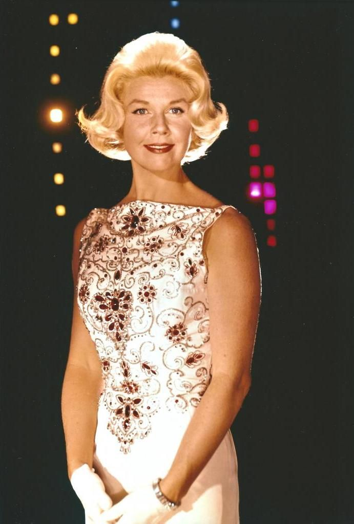 8/29/14 5:21a Doris Day Stylin' Do with White Gown Ruby Encrusted