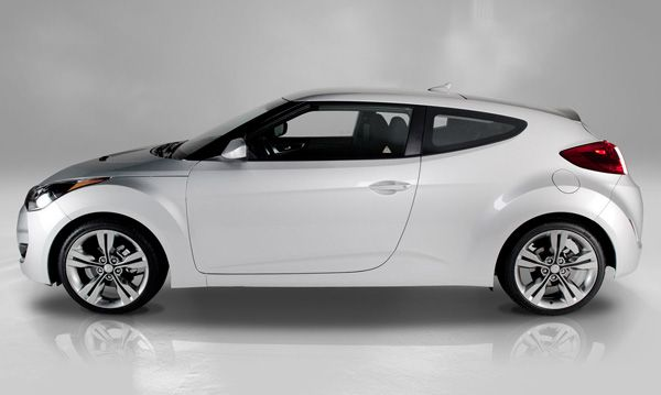 Hyundai Veloster 2012 — Cheapest new sport cars of this year