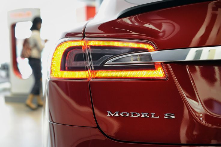 Tesla quietly drops the Model S 85 series in the UK - https://www.aivanet.com/2016/02/tesla-quietly-drops-the-model-s-85-series-in-the-uk/