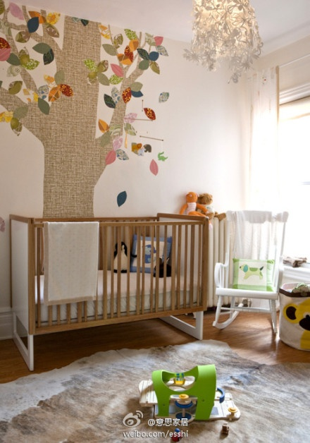 That tree is so cute! Using different scraps of wallpaper..This could work in the master bedroom..