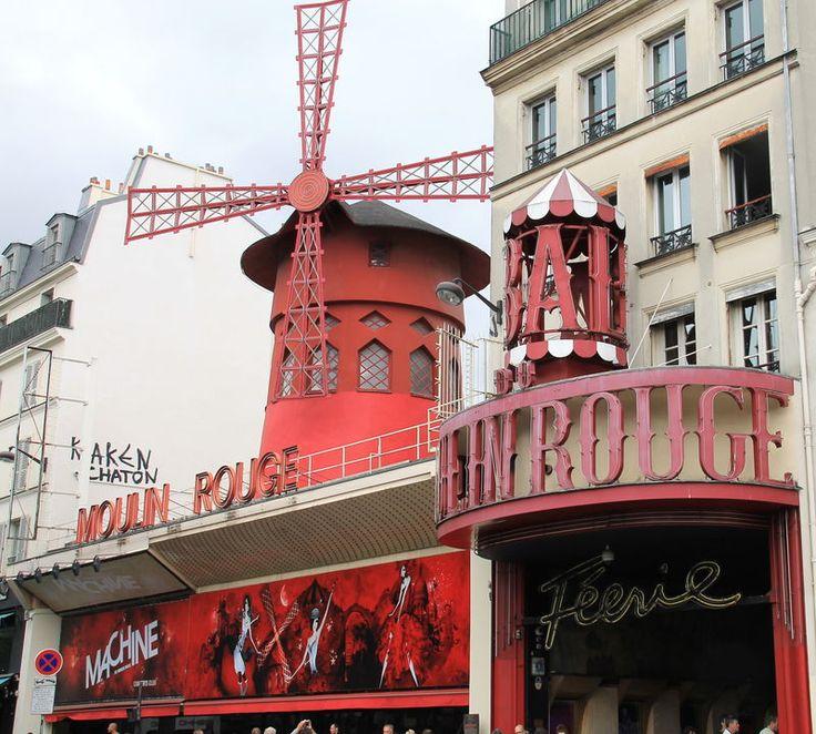 "Moulin Rouge - słynny ""Czerwony Młyn"" - Montmartre, Paryż"