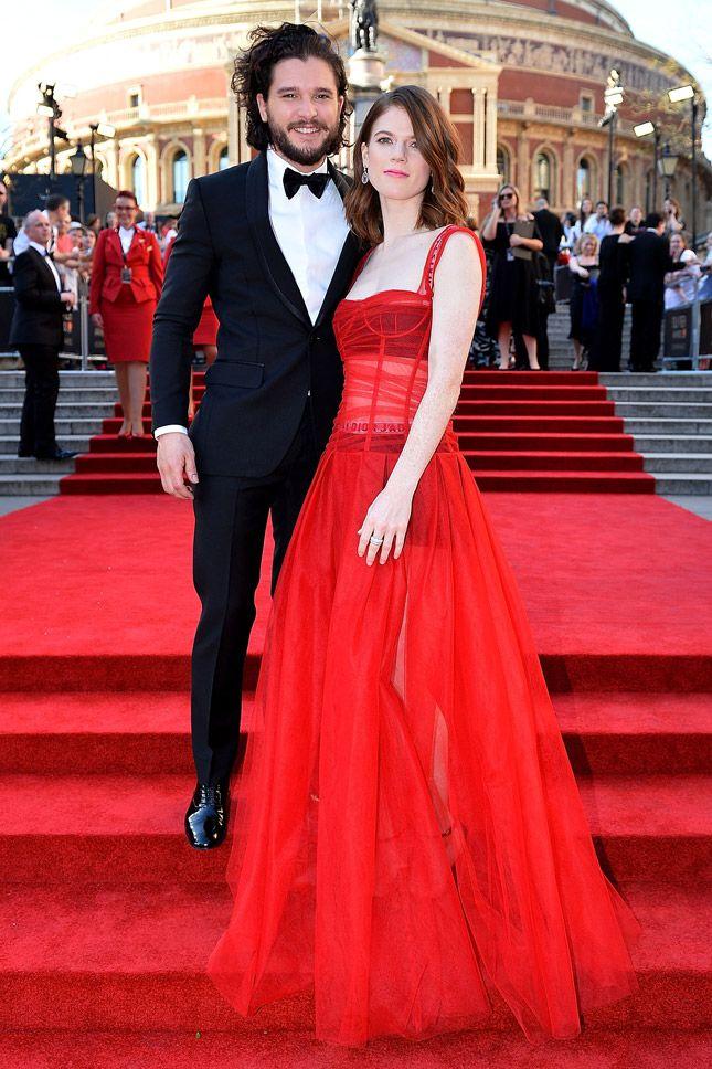 Кит Харингтон и Роуз Лесли в Christian Dior на церемонии Olivier Awards в Лондоне