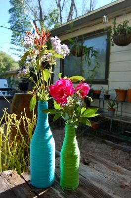 yarn wrapped bottle center piece easy vases upcycle wine bottle diy wine bottle vase