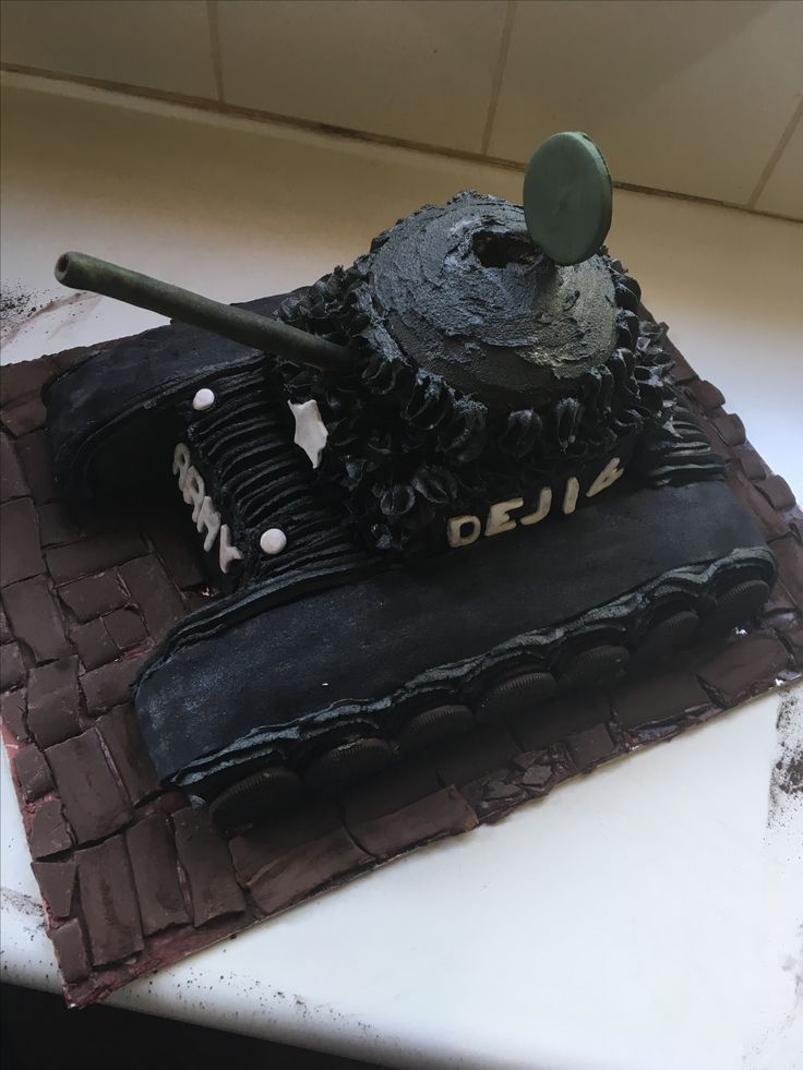 chocolate tank cake covered with buttercream for a fourth Birthday