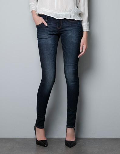 DARK BLUE OVERDYED SKINNY DENIMS - Jeans - Woman - ZARA