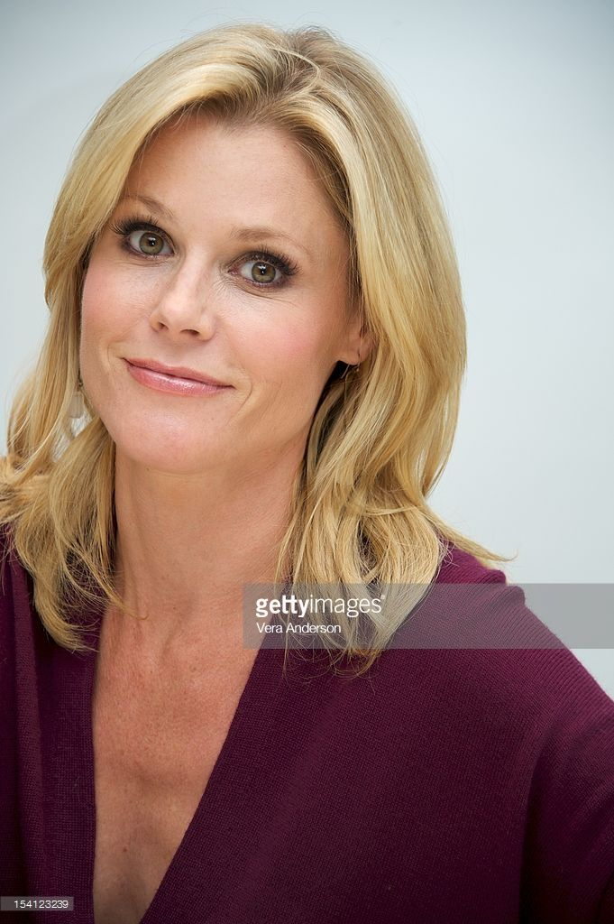 Julie Bowen at the 'Modern Family' Press Conference at the Four Seasons Hotel on October 11, 2012 in Beverly Hills, California.