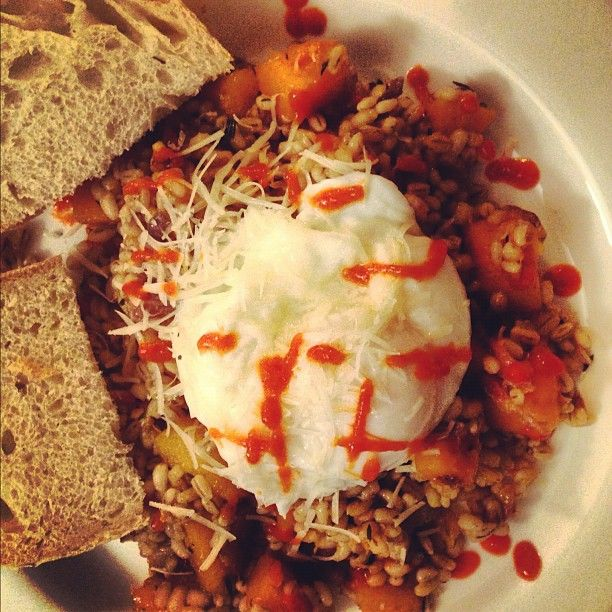 BARLEY RISOTTO WITH POACHED EGG & SRIRACHA