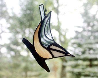 Paire de Sitelle à poitrine rouge, oiseaux, vitrail Sculpture murale en verre Environ vie taille paire de verre teinté rouge à poitrine Sittelle sur bois véritable patiné. Les oiseaux sont environ 4. 5-5» Dans l'ensemble, la taille est environ 15,5» tall x 6. «large x 2.25 de profondeur  Tous les envois entièrement assuré.  Envoi dun cadeau ? Je vais inclure une facture dans votre colis, sauf si vous demandez quil exclure. Une fiche cadeau avec votre message peut être inclus sans…