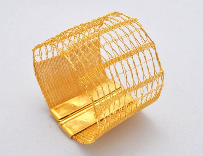 "Lilia Breyter - Polsera ""Gauzes C5""   - fil ferro de coure teixit xapat en or"