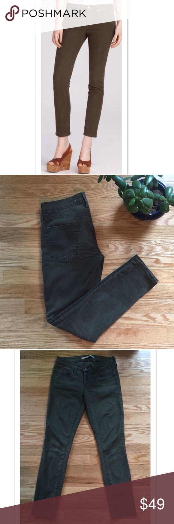 "Vince Olive Green Skinny 5 Pocket Jeans Size 25 Beautiful Olive skinny jeans by Vince. 98% cotton; 2% spandex. A size 25, they measure 14.5"" across the waist; 7"" Length ; 28"" inseam. EUC Vince Jeans Skinny"