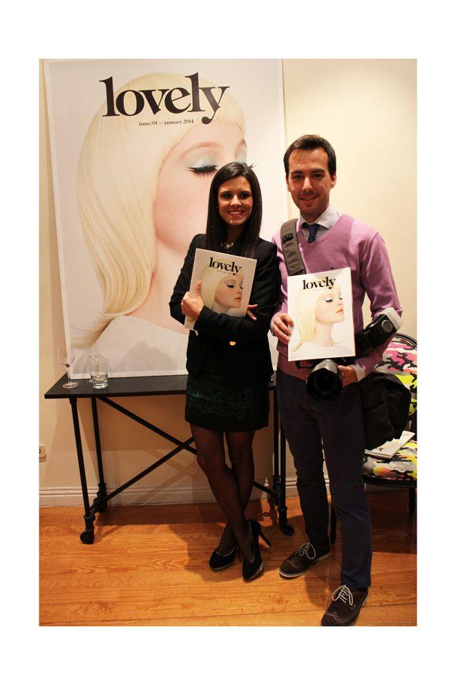 Crímenes de la moda con Ramón Colubi no faltaron al evento y posaron con sus revistas #Lovely