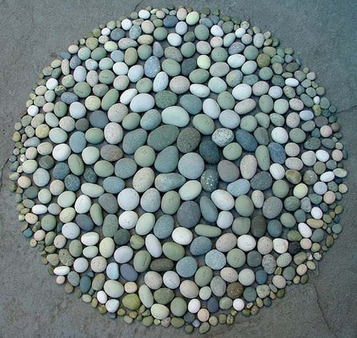 This is so cool - I LOVE rocks!!  Release (green stones) by SwampLantern