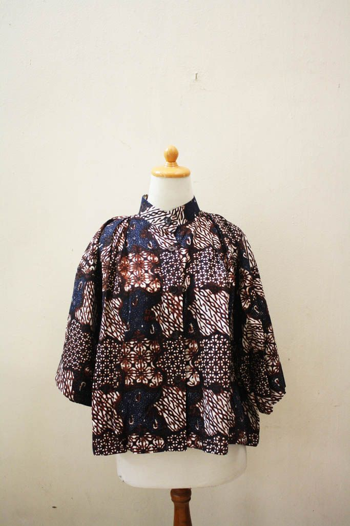 Andari Mixed Blue Patch Batik Cape     #djokdjabatik