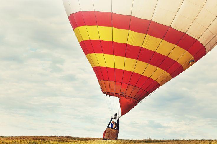 ¿Te gusta volar pero pasas de mareos? El paseo en globo aerostático está hecho para ti. Elige esta actividad y respira aire puro mientras disfrutas de las vistas, porque aquí, el tiempo se pasa volando https://www.giftarea.com/paseo-en-globo