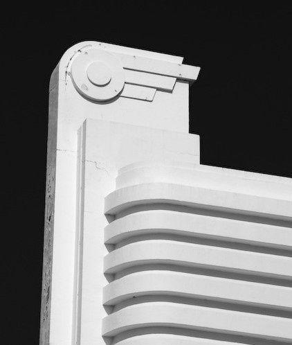1204 besten streamline moderne design bilder auf pinterest bauhaus betten und m bel. Black Bedroom Furniture Sets. Home Design Ideas