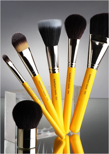 Over 60 different styles of brushes. See the wide variety of brushes for your face, eyes, and lips.