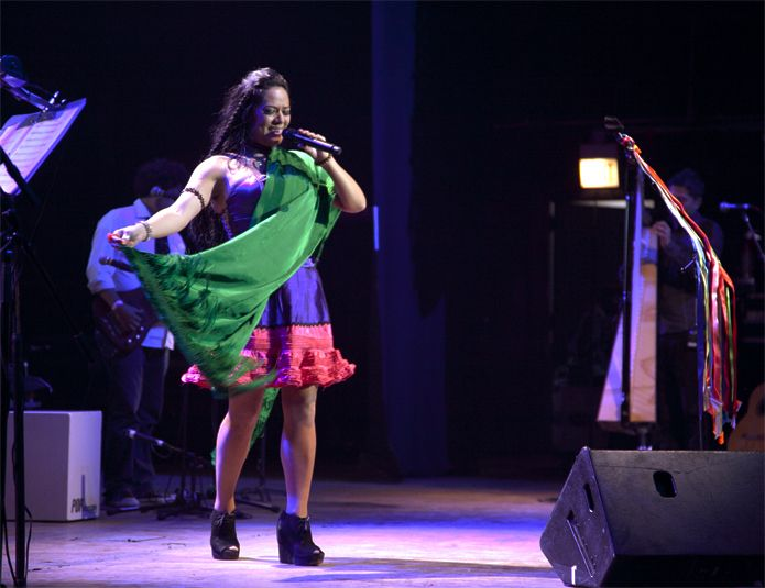 """Gira """"Pecados y Milagros 2012""""  Congress Theater  2135 N. Milwaukee Ave.  Chicago, IL, 60647  http://congresschicago.com/  3 de Marzo de 2012    """"A MAGICAL EVENING WITH LILA DOWNS - Sones de Mexico Ensemble - Pintoras Mexicanas."""""""