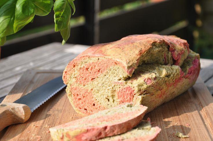 Unser erster Versuch des Brotfärbens… Es werden weitere folgen! Zutaten für 2…