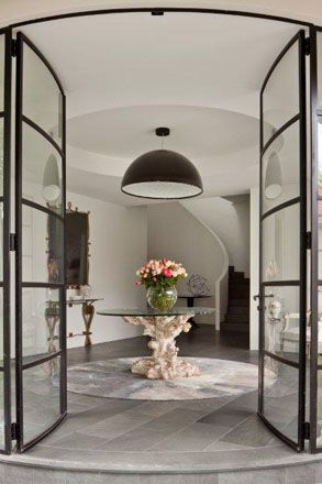 Stunning entrance by the unmatched Australian designer David Hicks
