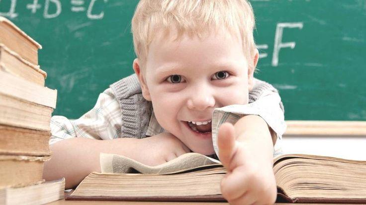 📌СПИСОК КНИГ ПРО ПЕРВОКЛАССНИКОВ!!!📌  Мы приготовили для вас список книг для самых маленьких школьников - ПЕРВОКЛАССНИКОВ. Книги разные - про разное время, веселые и грустные, сказочные и реалистичные, но все объединены одной темой - ПЕРВЫЙ РАЗ В ПЕРВЫЙ КЛАСС.  Пусть те, кто идут первый раз в первый класс, полюбят школу и найдут настоящих друзей, ведь мы-то с вами знаем, что школьная пора - самая счастливая в жизни!  1. Аксенова Анна. «Рассказы Андрюши Мыльника», «Билеты в цирк» 2…