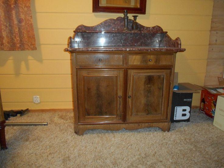 FINN – Antikke soveromsmøbler