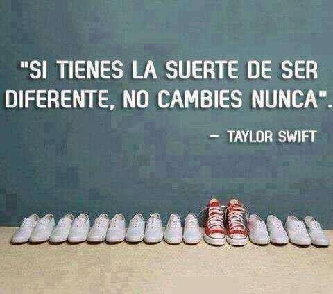"""""""Si tienes la suerte de ser diferente, no cambies nunca"""" #Bedifferent ! #Sueños, Citas, Pensamientos, Quotes y Reflexiones"""