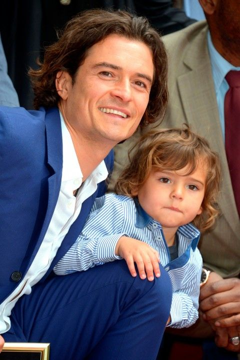 Orlando Bloom with his look-a-like! Aren't they cute! ♥ If you enjoyed my pin, pls do visit my celebrity site at www.celebritysize... ♥ #celebritysizes #orlando #bloom