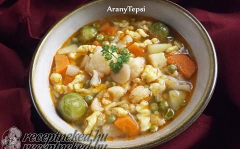 Zöldségleves házi reszelt tésztával recept fotóval