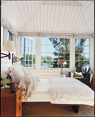 Master bedroom-lakeside view! Perfection!