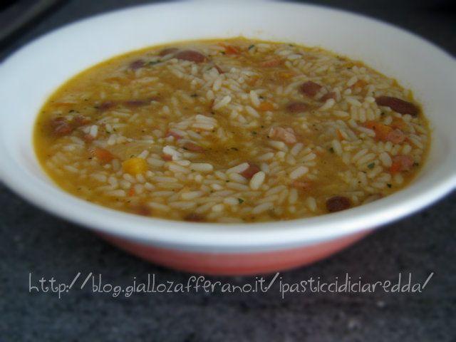 Minestra contadina La minestra contadina è un tipico primo piatto ideale per le fredde giornate invernali, quando la famiglia si riunisce a tavola accanto