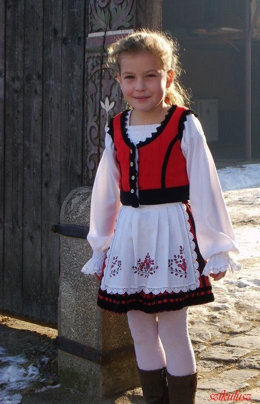 """Orsika"" - beautiful szekler (székely) girl in Zetelaka, Erdély/Transylvania, photo by Csíki Árpád"