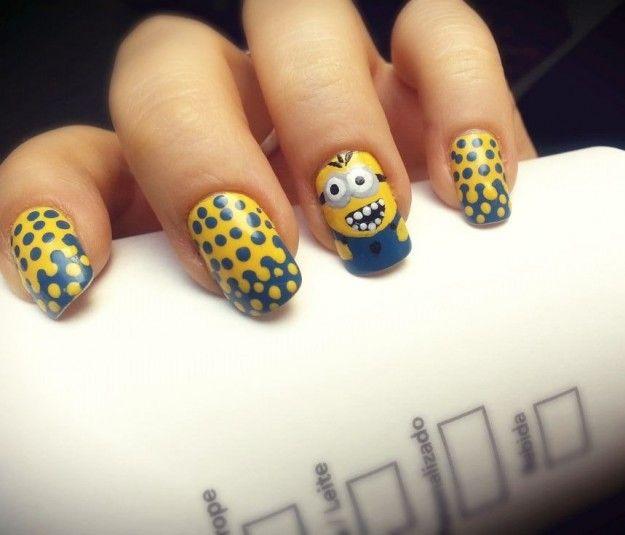 Minions nail art per Carnevale
