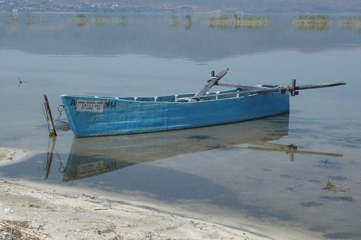 Μια ξεχασμένη ψαρόβαρκα στην λίμνη Δοιράνη - Βόρεια Ελλάδα
