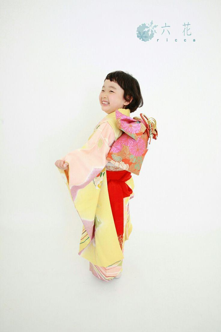 七五三 黄色とピンクの祝着花くす玉柄 着物レンタル・着付け・ヘアメイク・撮影