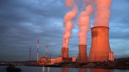Das belgische Pannen-AKW Tihange wird aus Deutschland mit Brennelementen unterstützt! Alfred Pohl wohnt 75 Kilometer vom Atommeiler entfernt und will das stoppen - mit einer Petition auf WeAct. Unterstütze ihn, unterzeichne jetzt seine Petition!