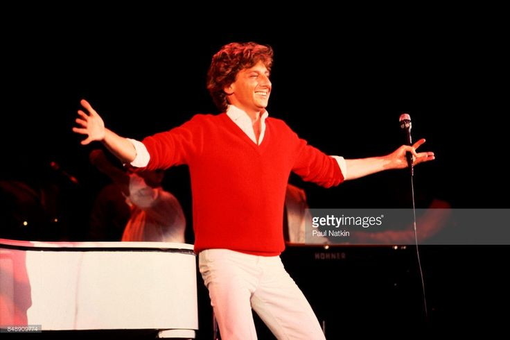 Barry Manilow performing at the Park West in Chicago, Illinois, October 25, 1982.