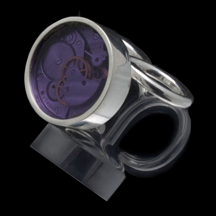 Around Time 8 (two fingers ring) 2012 Sterling Silver 35 gr, Lila Plexiglas,