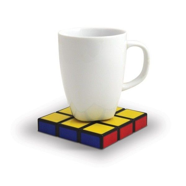 Enceinte USB Rubik's Cube Grâce à cette enceinte rubik's cube emportez votre musique partout!  Fan de Rubik's cube? Ce célebre casse-tête des années 80?  Aujourd'hui, pas besoin de se torturer les méninges pour trouver l'enceinte adéquate retro-geek... elle est ici!