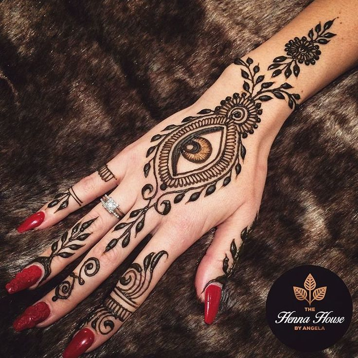 "The Henna House by Angela on Instagram: ""I spy with my little eye some sexy henna! I always love doing my eye designs. """