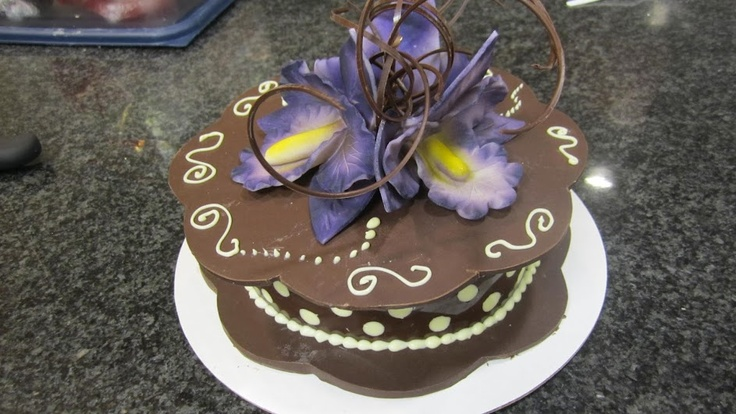 (3) Terry McNeil - Google+ - Chocolate Project - Chocolate Box and Flowers (all made from chocolate)